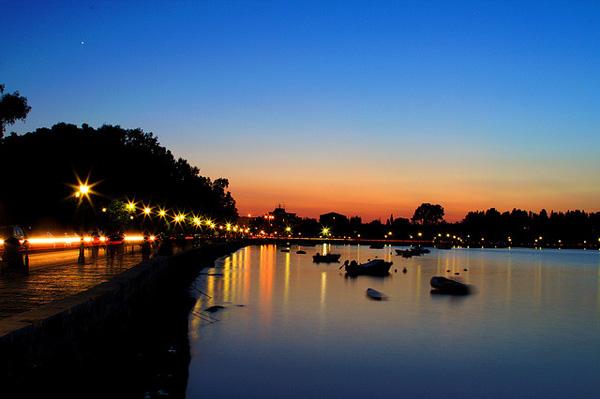 Ночной вид на остров Корфу, Греция
