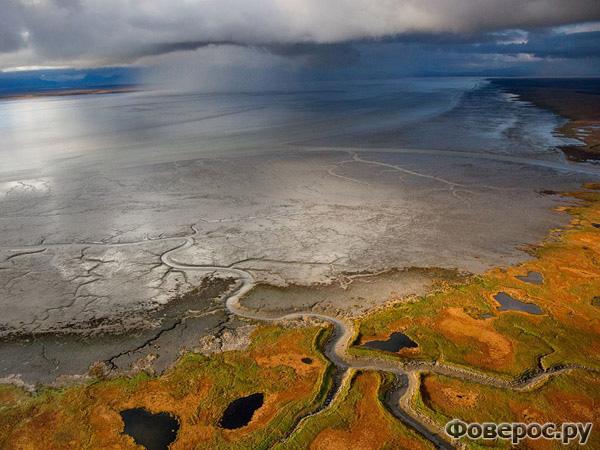 Штормовые облака, Нушагак бэй. Photograph by Michael Melford, National Geographic