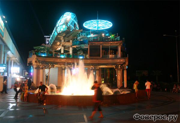 Ночной город Сочи - Фантан, Рестораны, Кафе