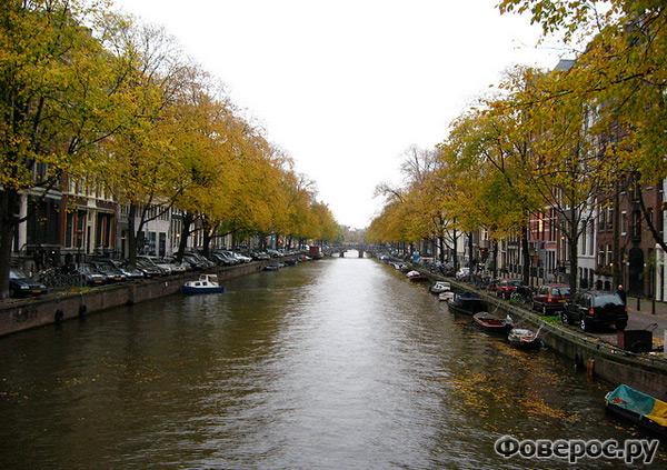 Вехел (Veghel) - Город в Голландии (Netherlands) - Река в городе