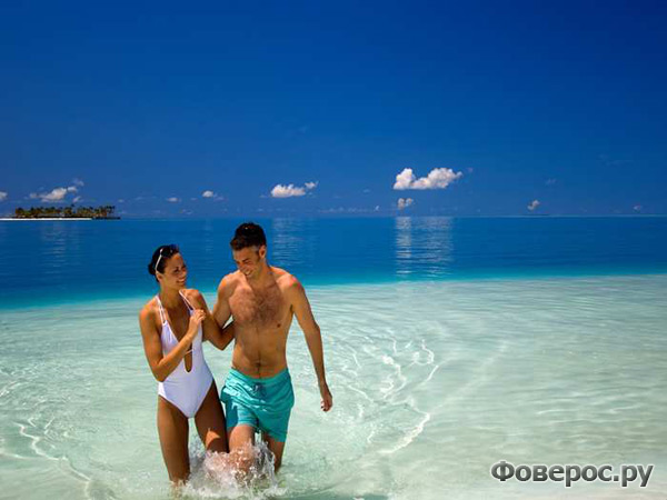 Пляж отеля Conrad Maldives Rangali Island Hotel