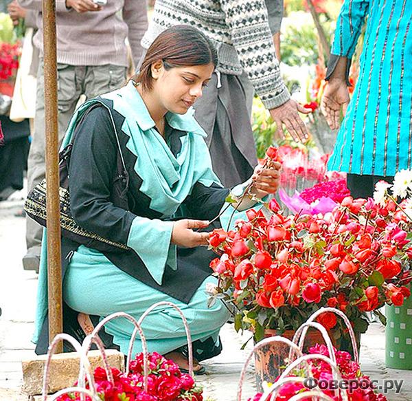 В Пакистане День Влюбленных не запрещен