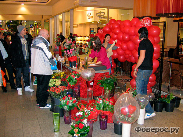 Швеция. Очередь за подарками ко дню Св. Валентина