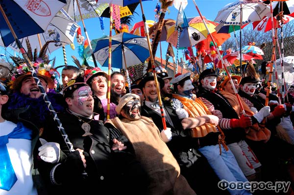 Сияющие улыбки карнавала в Дюнкерке