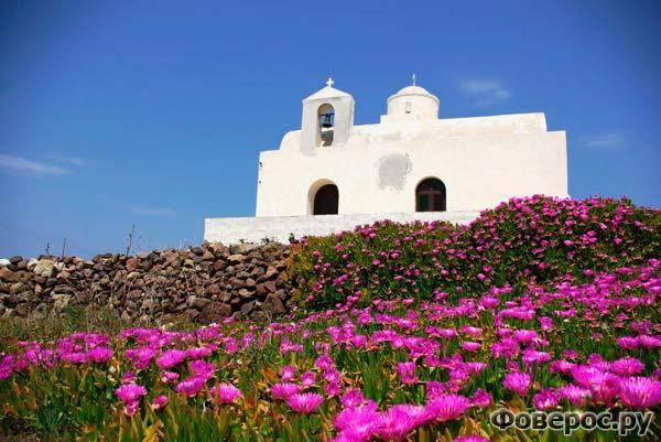 Церквушка Святого Нектариоса на острове Кимолос