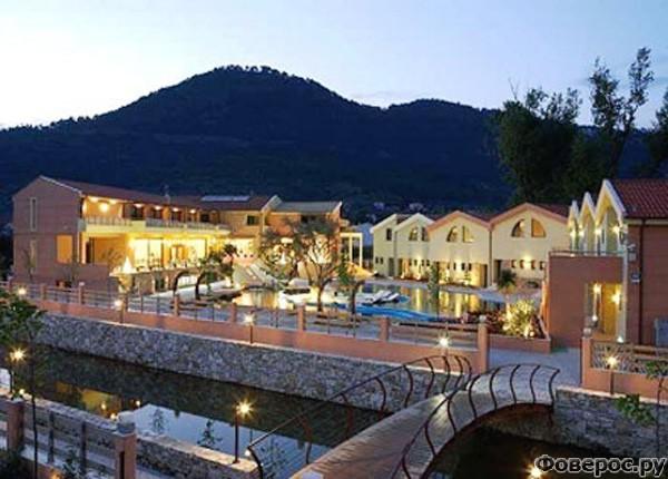 Тасос: Набережная с отелями