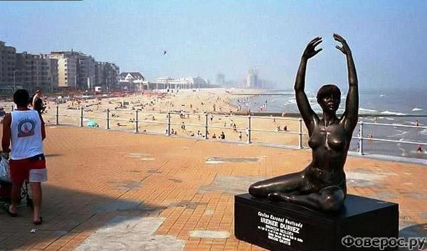 Остенде: Памятник на берегу