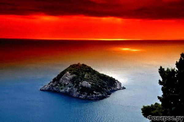 Берджеджи: Вид на остров сверху