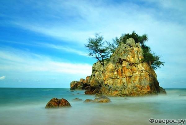 Кемасик: Скала в море