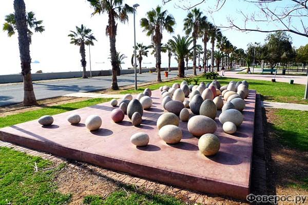 """Лимассол - """"Egg Skulpture"""" в Парке современной скульптуры"""