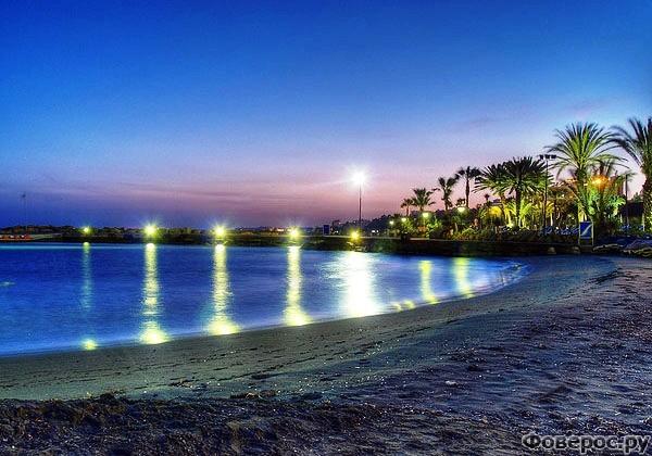 Лимассол - Вечер на пляже