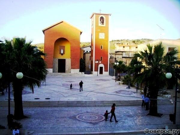 Монталлегро - Церковь